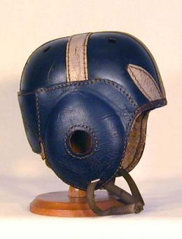 111 1930 leather helmet