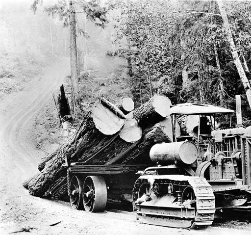 11 tractor hauling logs 1924