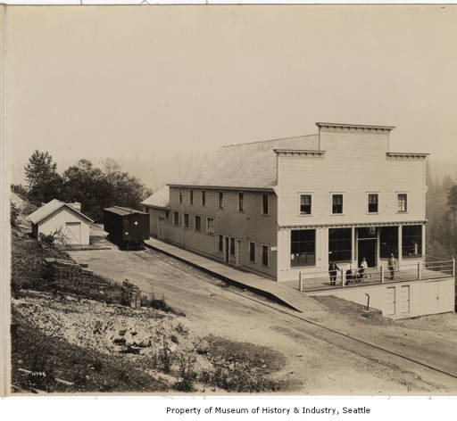 11 Franklin store