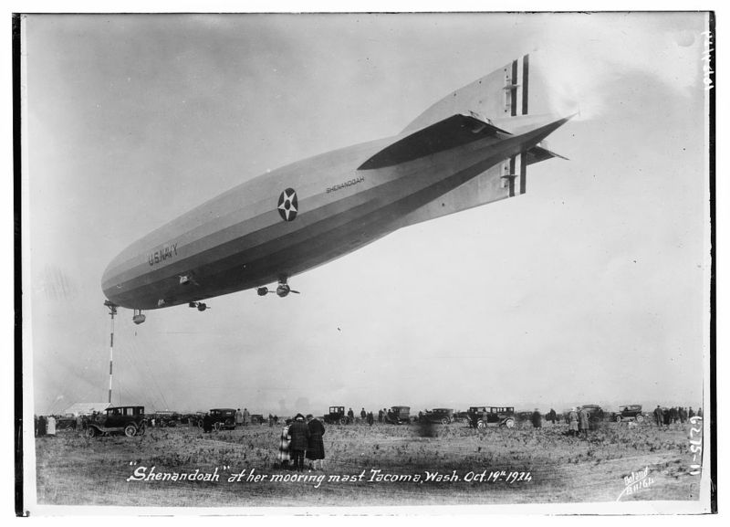 11 blimp in tacoma 1914