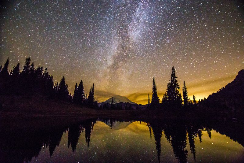 A milky way over the mountain 21 (1 of 1)