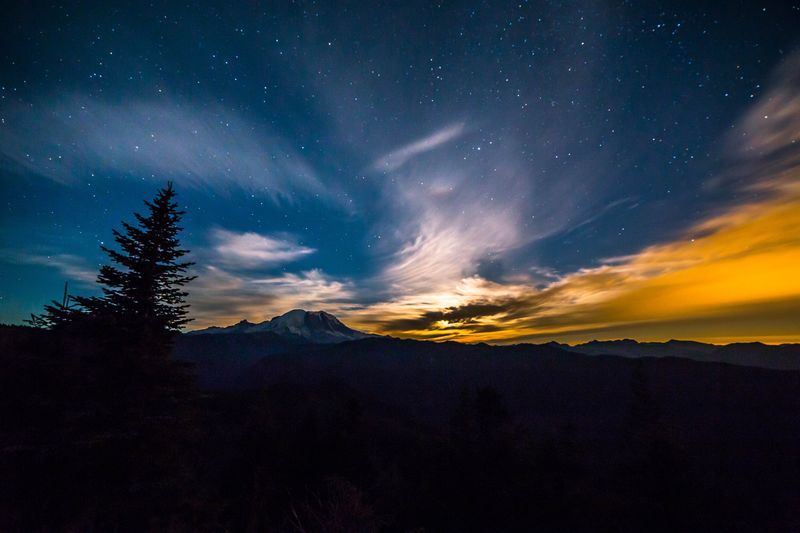 Moonset over Rainier