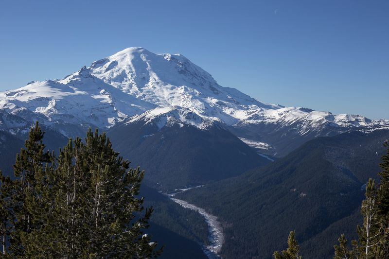 A mt rainier from the top of crystal peak 1 (1 of 1)