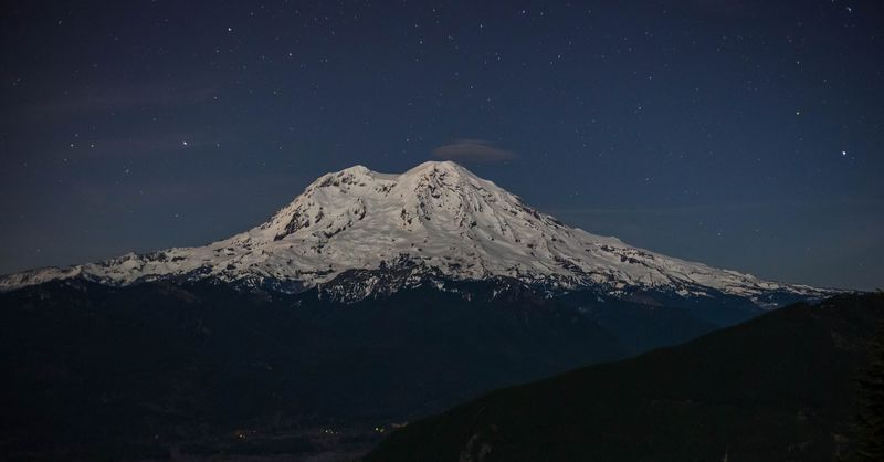 A mt rainier lit by moonlight (1 of 1)