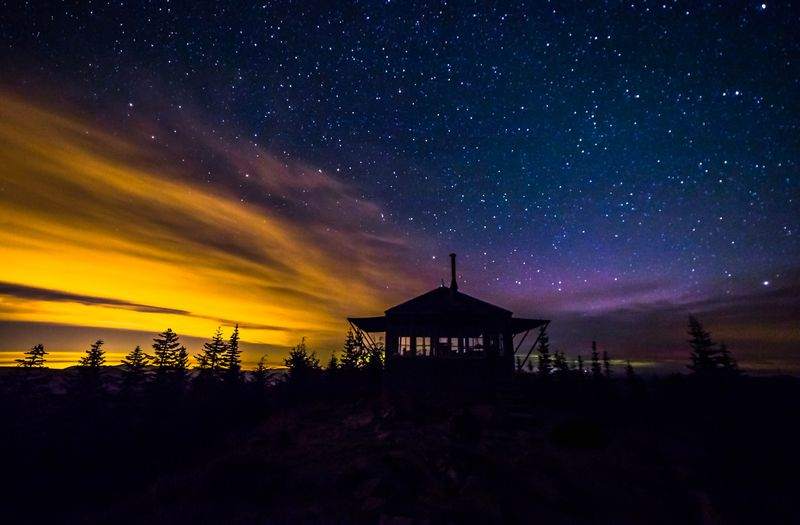 Northern Lights Lookout 104-0884