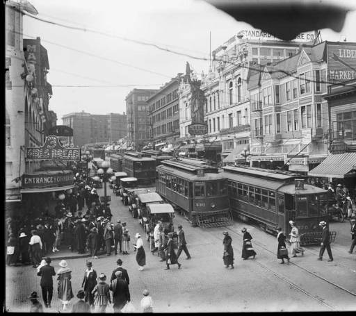 Traffic at 1st Pike 1919