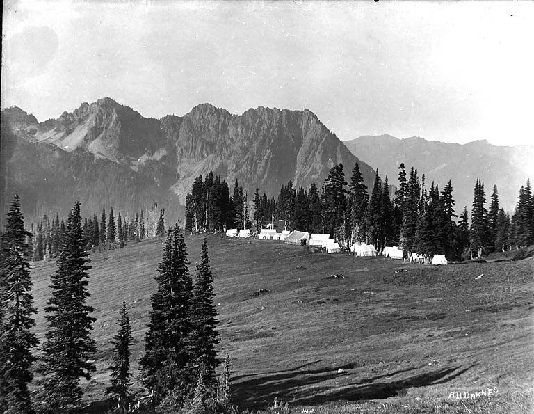 John_Reese's_tent_hotel_camp_known_as_Camp_of_the_Clouds_below_Alta_Vista,_upper_Paradise_Valley,_Mount_Rainier_National_Park_(BAR_227)