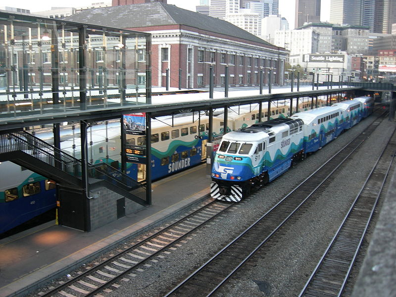 11 800px-Sounder_Commuter_Rail_01